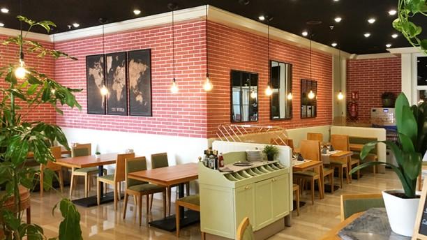 La estación Bar & Kitchen Vista sala