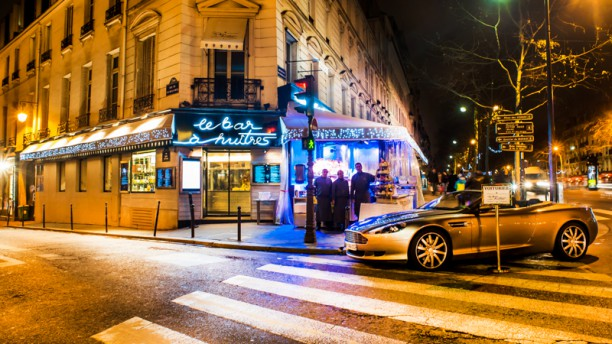 Bar à Huîtres Place des Vosges Devanture