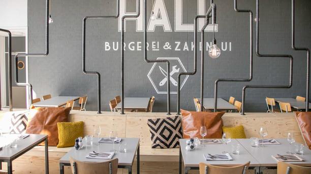 de HALL - BurgerEi & Zakenlui Het restaurant