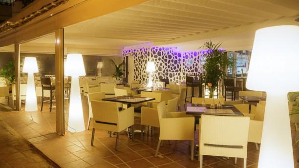 Sirocco Marbella Vista sala
