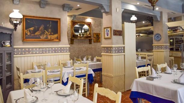 Restaurante Marisqueria Los Andaluces Comedor confortable y climatizado