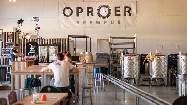 Oproer brouwerij, brewpub en restaurant Brewpub en restaurant