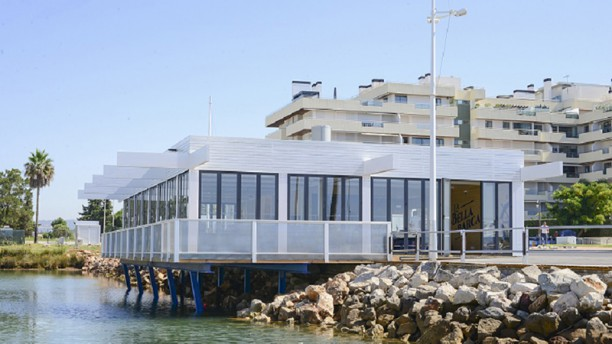 La Bella Barca Exterior