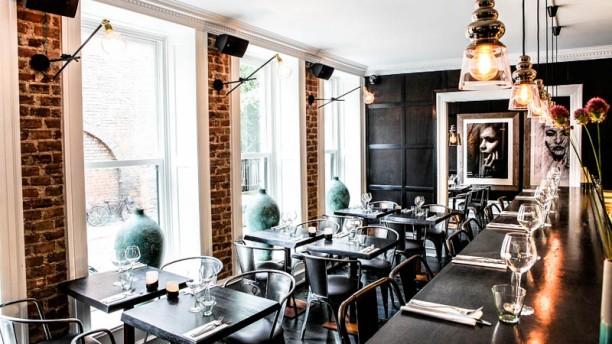 KOA Bar & Grill Restaurangens rum