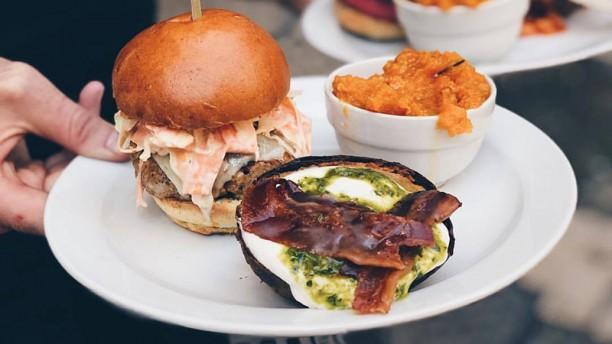 Buns Proposta di burger con contorno