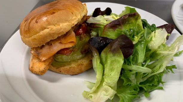 L´Improviste Burger aux deux saumons.