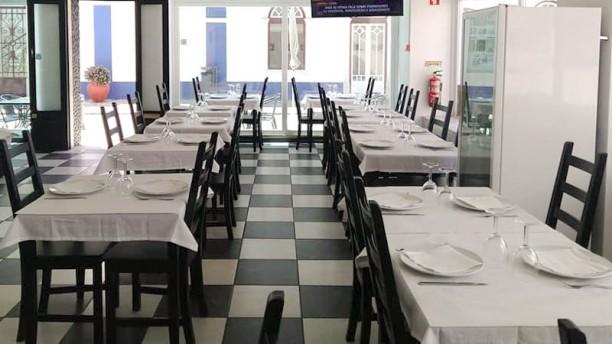 Ideal Restaurante vista da sala