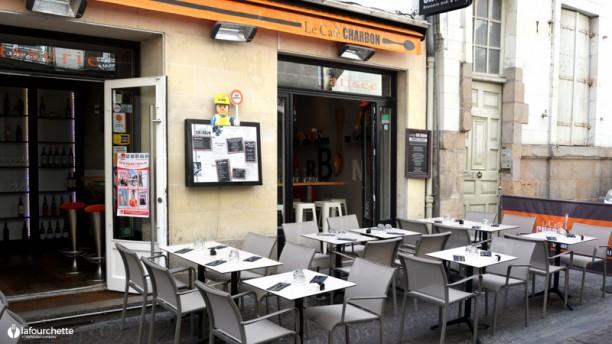 Le Petit Charbon Terrasse