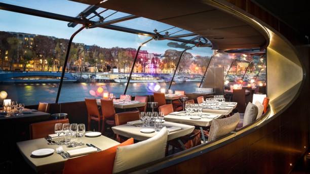Bateau Mouche Paris Restaurant Dejeuner