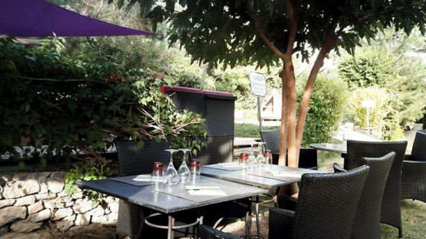 Restaurant O  La Tour D Aigues