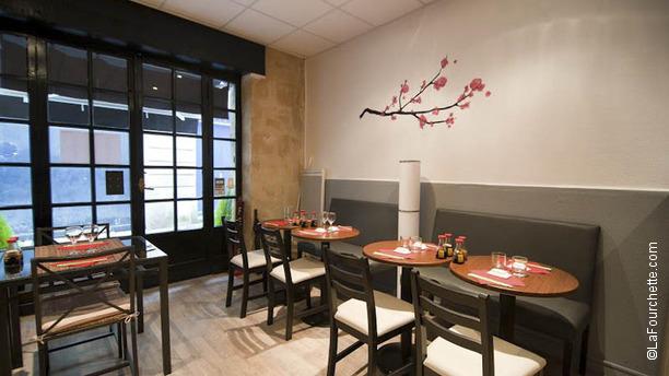 sushimi restaurant 8 rue courbin 33000 bordeaux adresse horaire. Black Bedroom Furniture Sets. Home Design Ideas