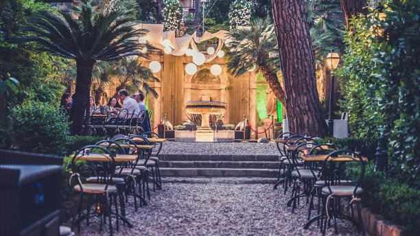 Gatsby Lounge Garden In Rome Restaurant Reviews Menu And