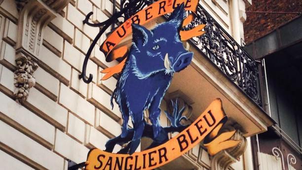 Le Sanglier Bleu enseigne