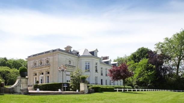 Hôtel Novotel - Château de Maffliers vue exterieur