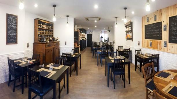Le Petit Bouchon Salon du restaurant