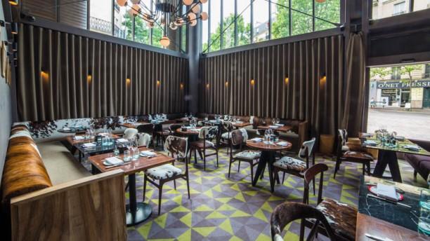 L.Étable  d'Hugo Desnoyer Secretan Paris - Halle Secrétan Salle du restaurant
