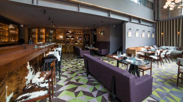 Restaurant la table d 39 hugo desnoyer paris halle secr tan for La table du 9