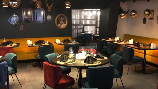 LA CASCADE INSOLITE Salle du restaurant