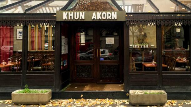 Khun Akorn Devanture