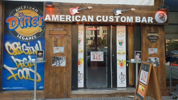 American Custom Entrada