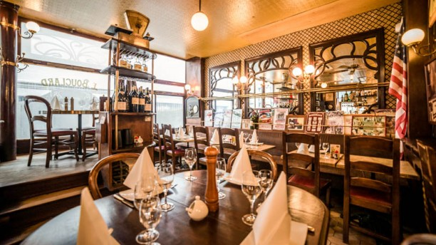 Restaurant le bouclard paris 75018 montmartre saint for Le miroir resto paris