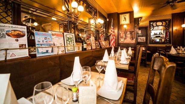 Le bouclard in paris restaurant reviews menu and prices for Restaurant le miroir paris 18