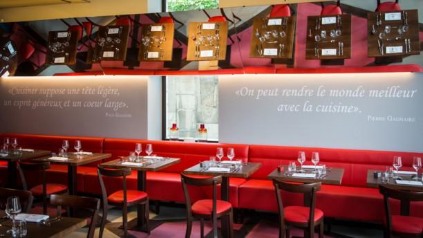 Le Pré aux Clercs Salle du restaurant