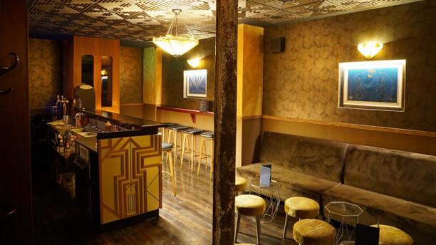 Mobster Bar Salle