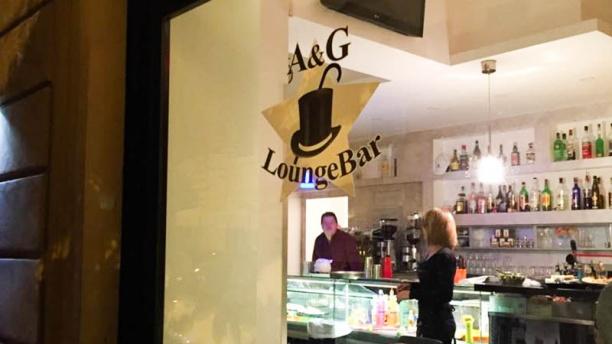 A & G Lounge Bar La vetrina