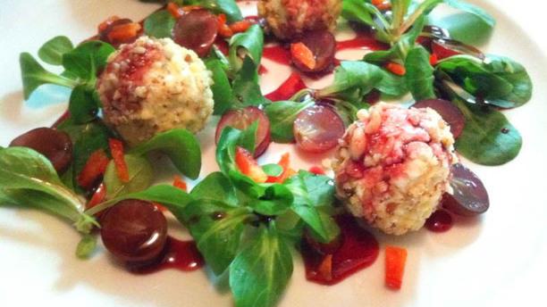 Restaurant Variee geitenkaas met rode wijn dressing