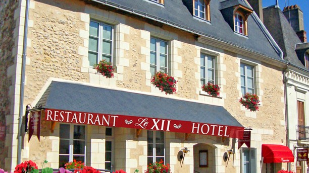 Le XII - Douze de Luynes Façade du restaurant Le XII - Douze de Luynes en Touraine