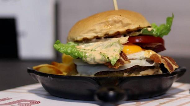 HUB Burgers Music Bar I nostri burger serviti nel bun