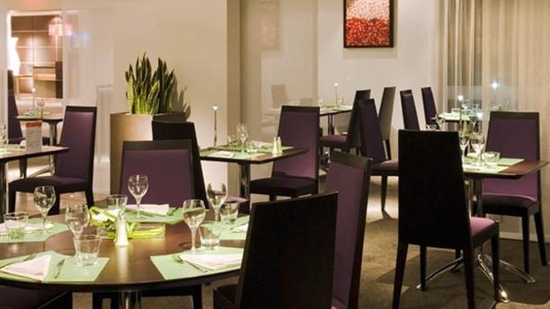 N'Cafe Lyon Bron Vue de la salle