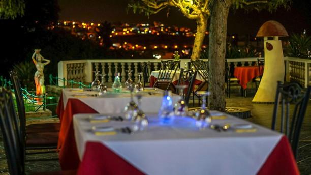 Luaú Restaurante Bar Terraço