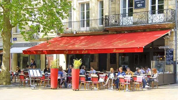 Café de la Poste Devanture