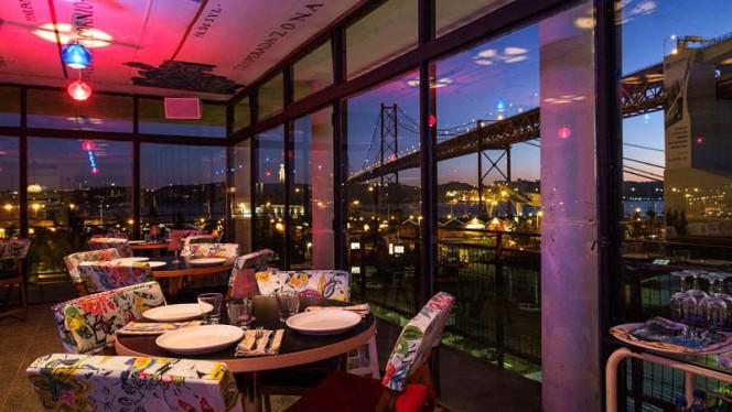 Vista da sala - Rio Maravilha, Lisboa