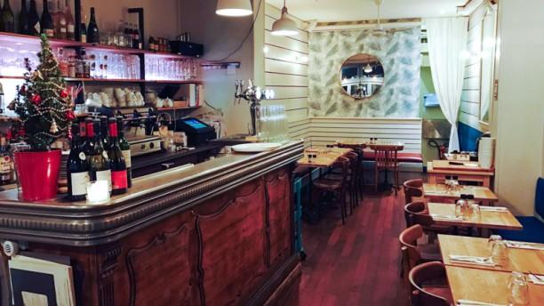 Le Charonne Café Vue de la salle