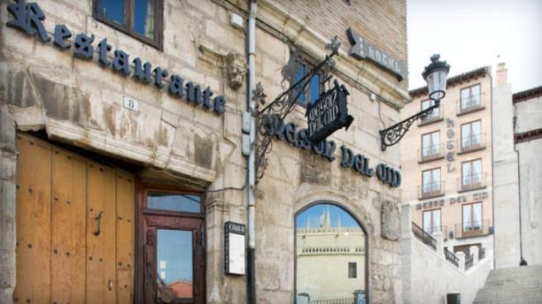 Mesón del Cid Burgos Entrada Restaurante