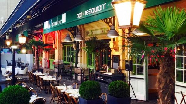 Restaurant le boudoir lyon 69006 part dieu t te d 39 or for Restaurant terrasse lyon