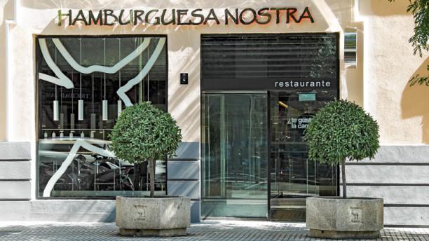 Hamburguesa Nostra - Ortega y Gasset Entrada