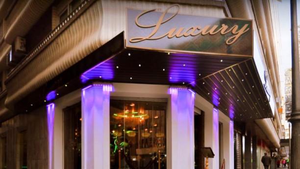 Luxury Entrada
