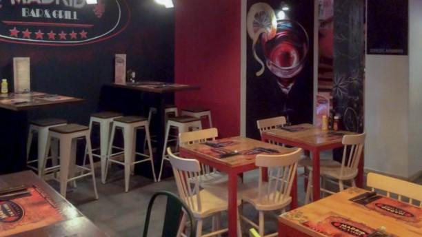 Madrid Bar Grill Vista sala