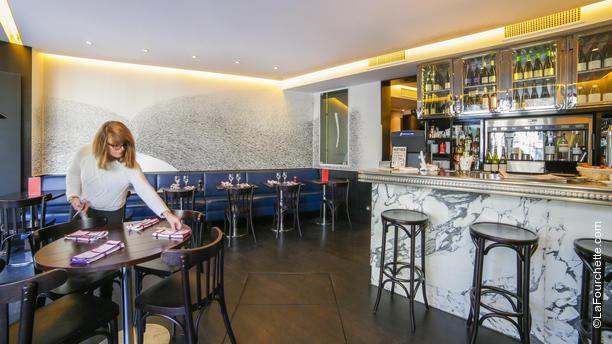 Café Des Ministères Vue de la salle