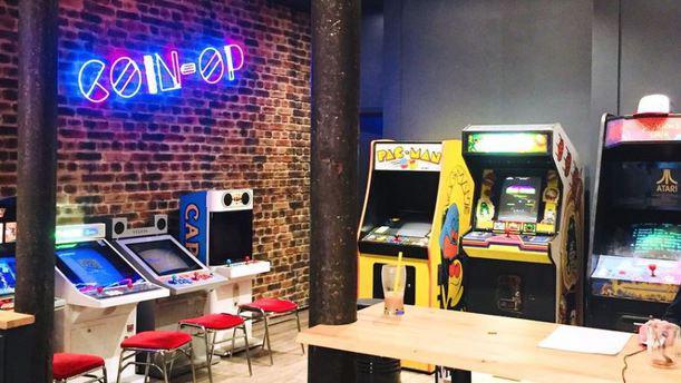 Coinoptable salle de jeux
