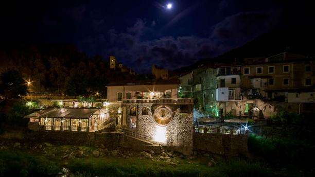 Antico Frantoio location notturna
