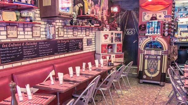 restaurant le fil rouge caf paris 75010 r publique menu avis prix et r servation. Black Bedroom Furniture Sets. Home Design Ideas
