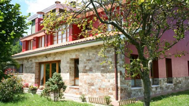 Casa Vieja del Sastre Salida del comedor al jardín
