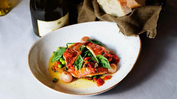 O'Pazzo Restaurant roodbaars met garnalen polenta en gerookte paprika