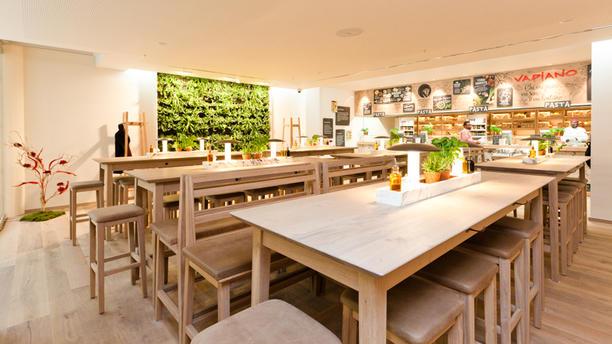 Vapiano Rotterdam (Plaza) Restaurant