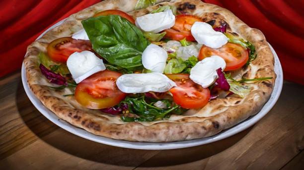 Il Pomodorino Napoli Pizza Donna Caprese con Mozzarella D.O.P.